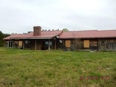 Selmer TN Single Family Home For Sale: $171,000