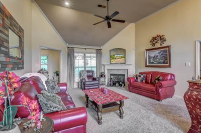 Arlington Single Family Home For Sale: 11924 Bridal