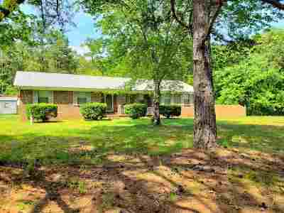 Selmer Single Family Home For Sale: 1522 Circle Hill