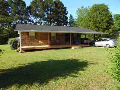 Savannah TN Single Family Home For Sale: $109,000