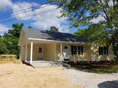 Savannah TN Single Family Home For Sale: $110,000
