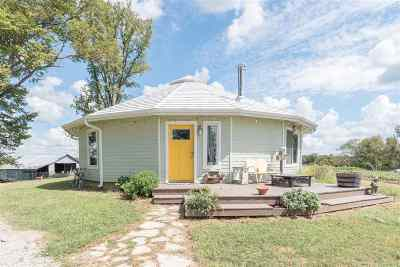 Henning Single Family Home For Sale: 276 Queen Spur