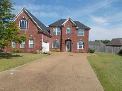 Bartlett Single Family Home Contingent: 8216 Sawyer Mill