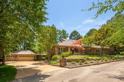 Memphis Single Family Home For Sale: 6243 River Oaks Place