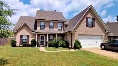 Single Family Home For Sale: 13504 Lapstone