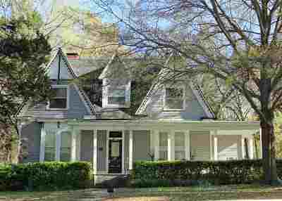 Arlington Single Family Home Contingent: 11971 Brown