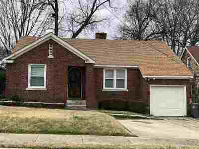 Memphis Single Family Home For Sale: 744 McConnell