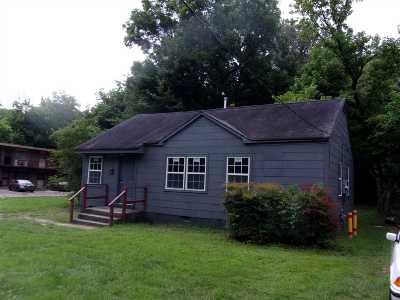 Memphis Single Family Home For Sale: 3323 Henry