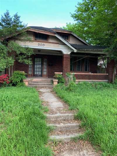 Memphis Single Family Home For Sale: 300 Malvern
