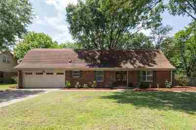 Memphis Single Family Home For Sale: 305 Richbriar