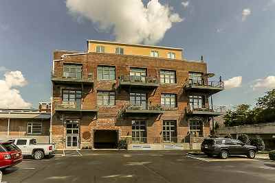 Condo/Townhouse Contingent: 435 S Front #207