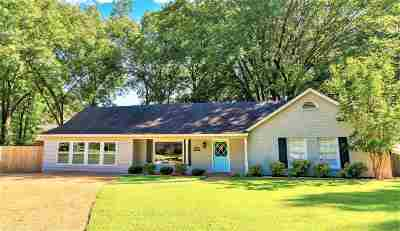 Collierville Single Family Home Contingent: 647 Oak Wild