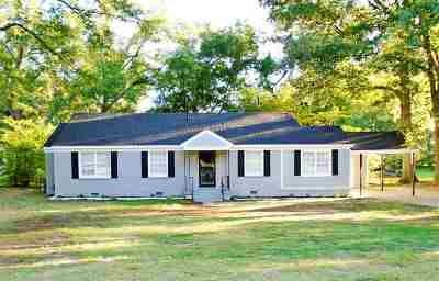 Memphis Single Family Home For Sale: 1032 Whitehaven