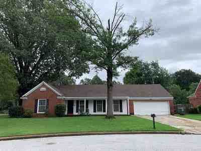 Single Family Home For Sale: 5855 Lochmoor