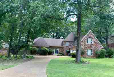 Memphis Single Family Home For Sale: 1996 Woodchase