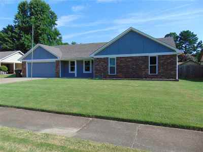 Bartlett Single Family Home Contingent: 5704 North
