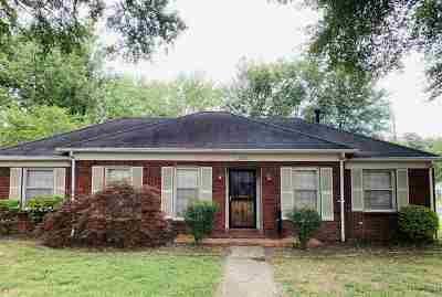 Shelby County Single Family Home Contingent: 1634 Sterling
