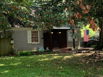 Single Family Home Sold: 952 Patterson