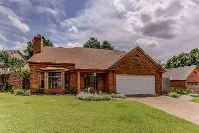 Memphis Single Family Home For Sale: 8795 Cedar Mills