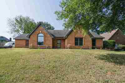 Cordova Single Family Home For Sale: 8301 Walnut Grove