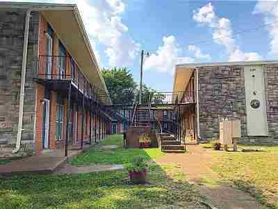 Memphis Multi Family Home Contingent: 2101 Imogene