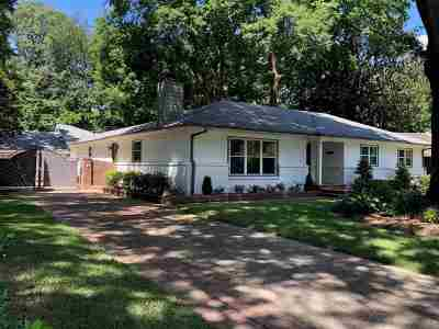 Memphis Single Family Home For Sale: 67 Mary Ann
