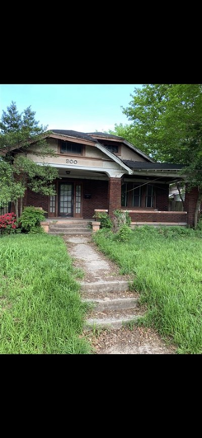 Single Family Home For Sale: 300 Malvern