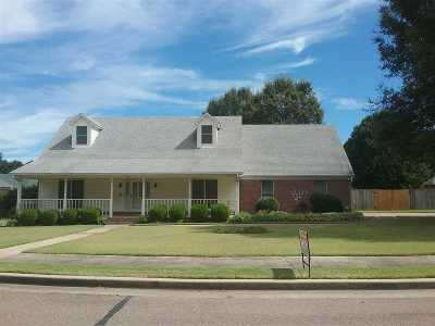 Millington Single Family Home For Sale: 7012 Sassy Tree Lane