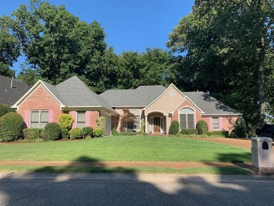 Memphis Single Family Home For Sale: 1364 Fairway Forest