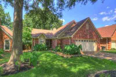 Collierville Single Family Home Contingent: 382 Booth