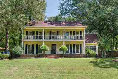 Memphis Single Family Home For Sale: 2302 Thornwood