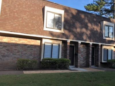 Germantown TN Single Family Home For Sale: $124,900