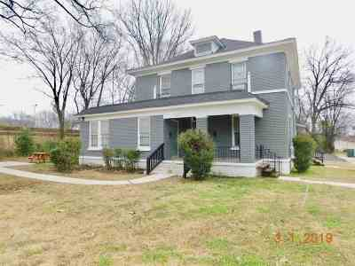 Memphis Multi Family Home For Sale: 1111 N Parkway