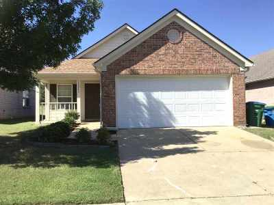 Arlington Single Family Home For Sale: 12043 Misty Trail