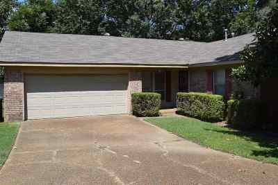Bartlett Single Family Home Contingent: 5868 North