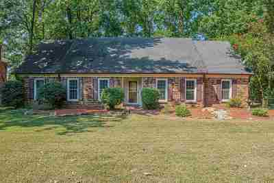 Memphis Single Family Home For Sale: 2373 Kirby