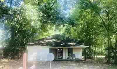 Brighton Single Family Home For Sale: 914 Kenwood