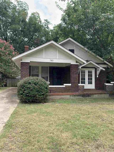 Single Family Home For Sale: 780 Dickinson