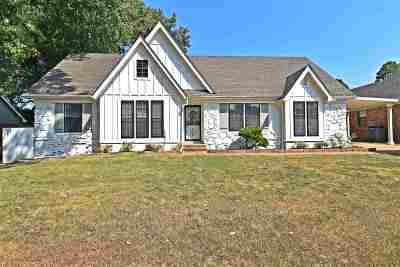 Bartlett Single Family Home Contingent: 6014 Lawnhill