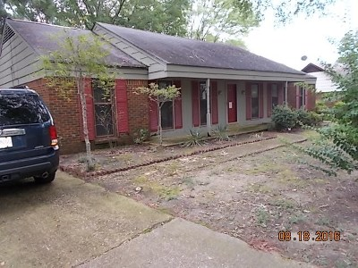 Single Family Home Sold: 400 Rutledge