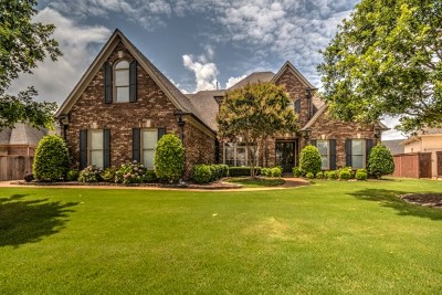 Single Family Home Sold: 1831 Mossy Oak