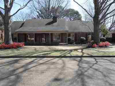 Single Family Home Sold: 618 Fox Lair