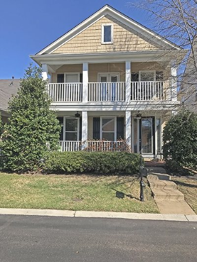 Single Family Home Sold: 194 Island Bluff