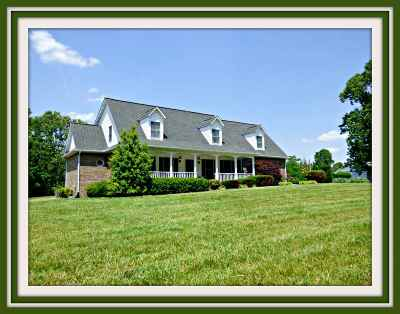 Single Family Home For Sale: 725 Riner