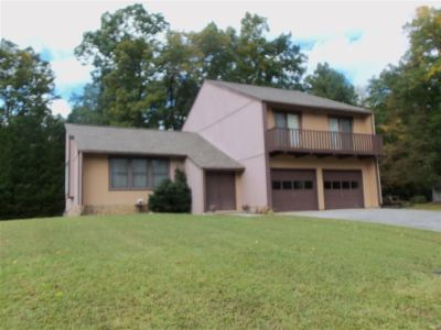Newport Single Family Home For Sale: 1571 Sheerwood Drive