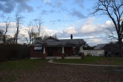 Single Family Home For Sale: 1120 Frog Level Rd