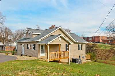 Newport Single Family Home For Sale: 264 Woodlawn Ave