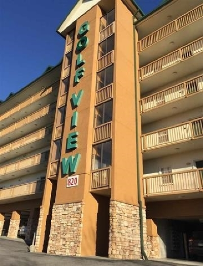 Pigeon Forge Condo/Townhouse For Sale: 818 Golf View Blvd