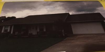 Single Family Home For Sale: 728 Catherine Crisp