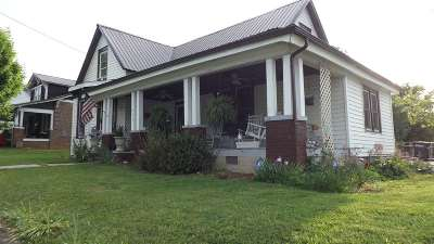 Newport Single Family Home For Sale: 343 Woodlawn Ave